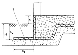 Raft construction with ground insulation and vertical edge insulation